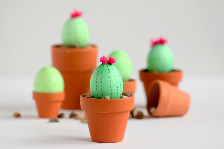 Яйца-кактусы на Пасху