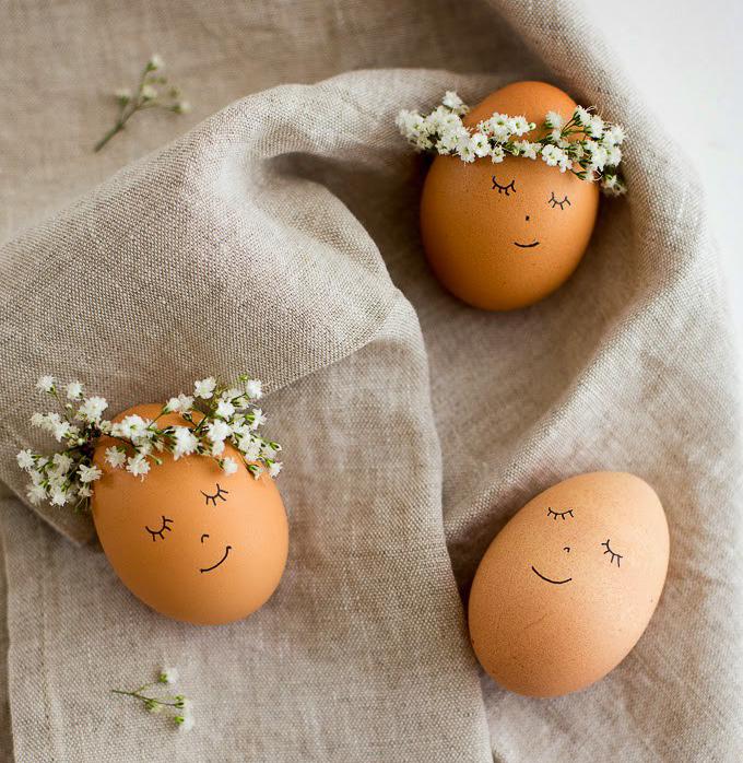 Яйца с цветочными венками